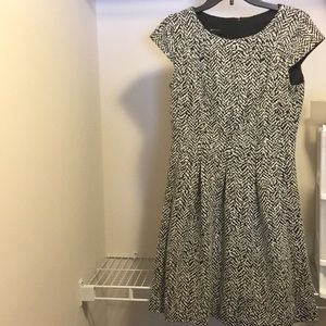 Size6 Black & White Patterned Fit and Flare Dress